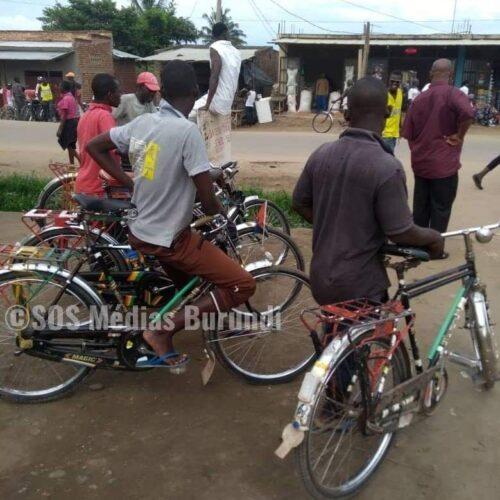 Nyanza-Lac (Makamba): le commissaire communal de la police tire sur un conducteur de taxi vélo après l'avoir heurté