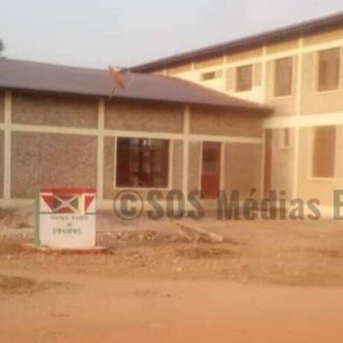 Gihanga (Bubanza) : les familles des deux personnes tuées par le commissaire communal de police sous menaces (Sources)