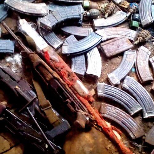 Deux kalashnikov découverts à Ngagara, une personne arrêtée