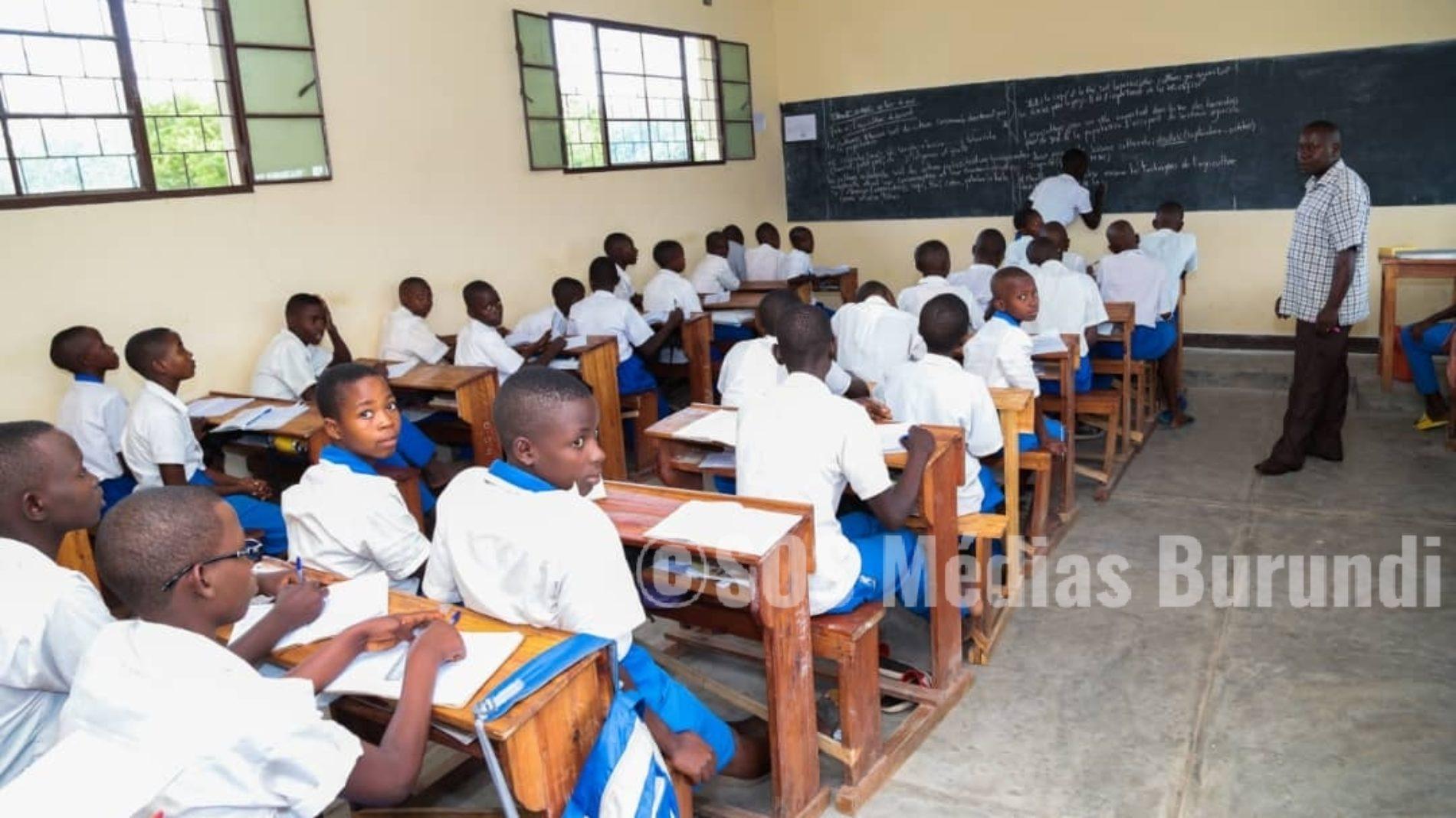 Plus de 92 mille élèves de l'enseignement post-fondamental passent l'examen d'Etat