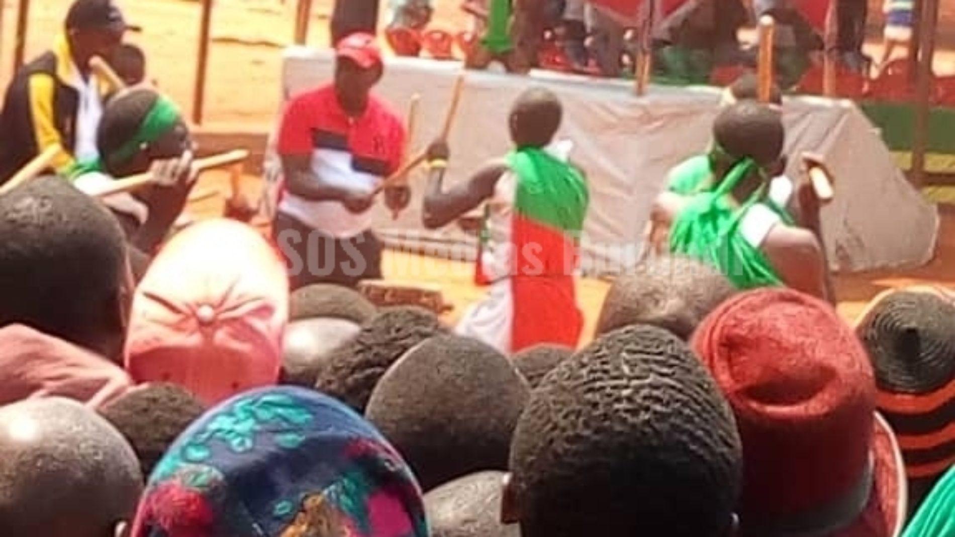 Nduta-Mtendeli (Tanzanie):  le ministre de l'Intérieur burundais en visite dans les camps de réfugiés pour appeler au retour massif des réfugiés