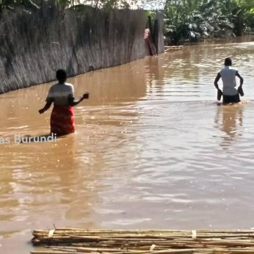 Photo de la semaine : des inondations détruisent des maisons