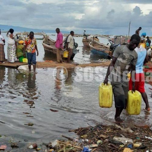 Photo de la semaine : le lac Tanganyika déborde et cause des déménagements