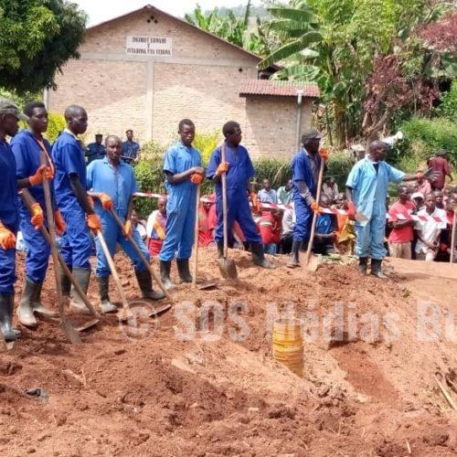 Marangara : la CVR découvre une fosse commune de plus de 30 ans
