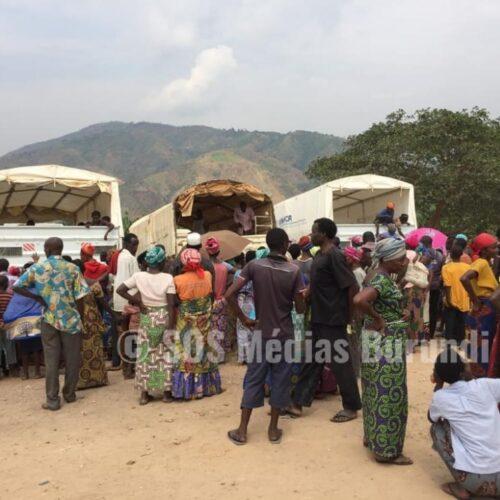 Mulongwe: des réfugiés tentent de fuir suite à la famine