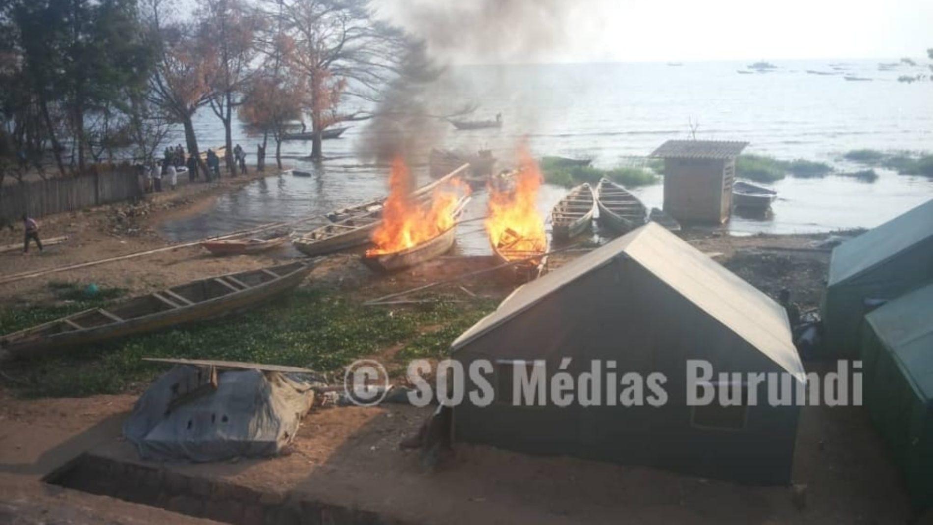 Photo de la semaine : deux bateaux détruits à Rumonge