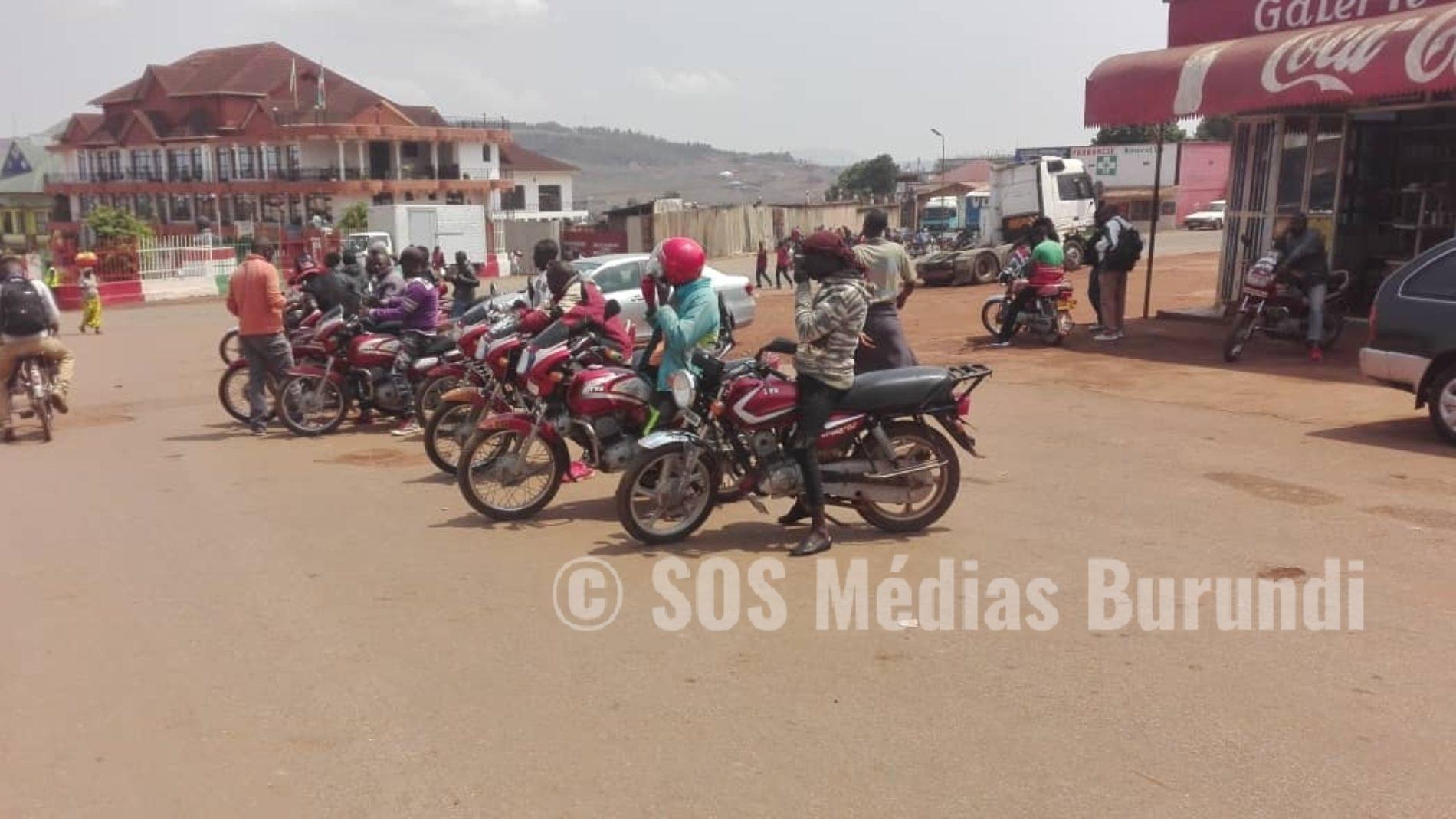 Gitega: des contributions, taxes et achat de nouveaux gilets décriés par des taxi motards