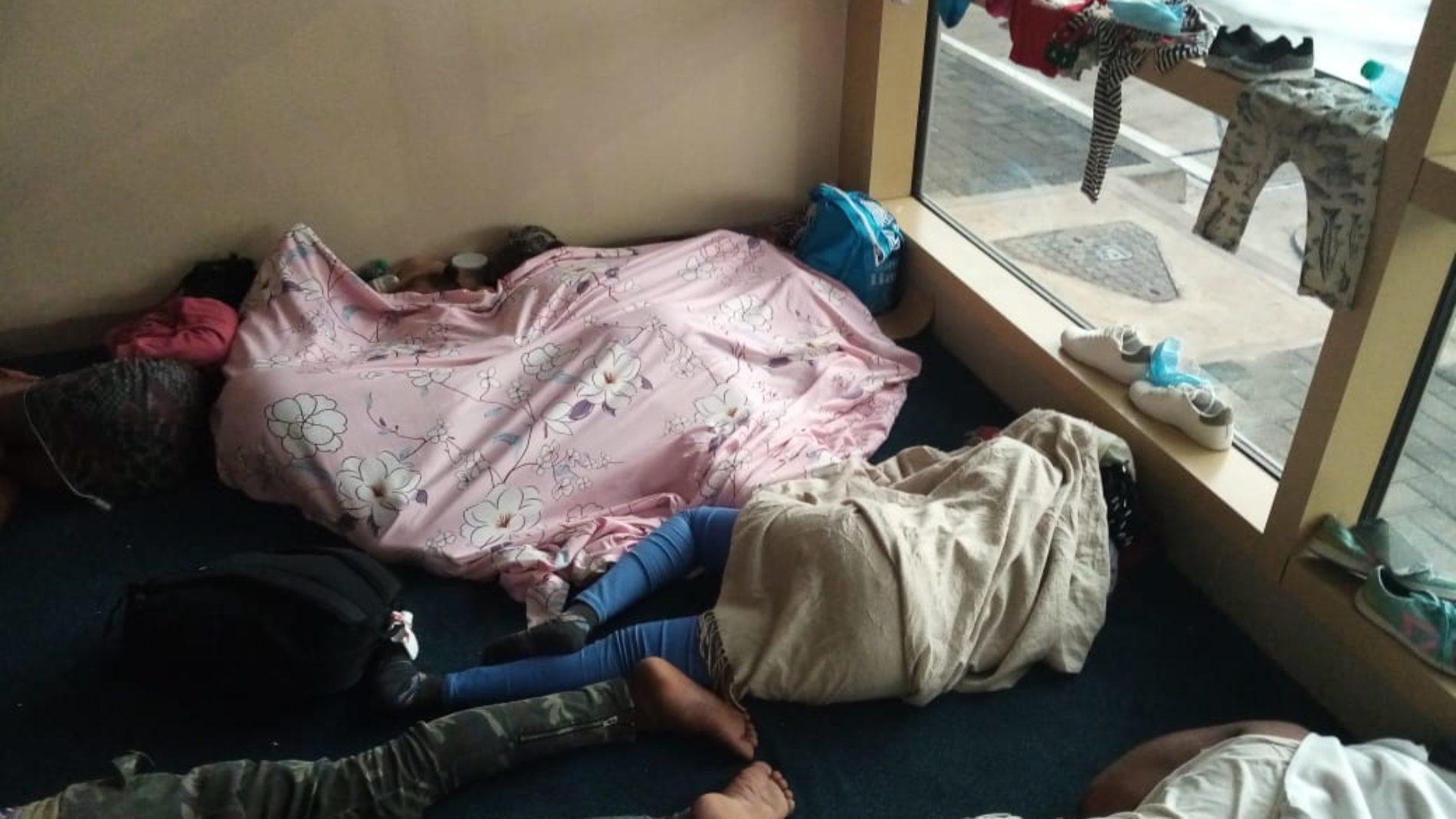 Huit réfugiés burundais bloqués à l'aéroport de Nairobi