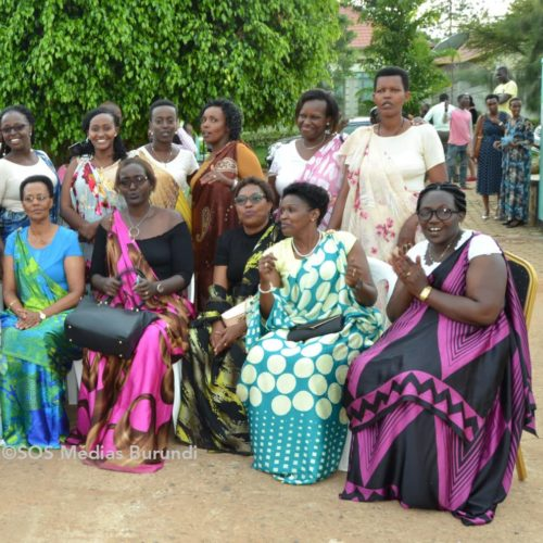 Éclairage – Les femmes réfugiées victimes de VBG peuvent compter sur le mouvement « Inamahoro »