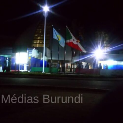Covid-19 : les voyageurs dénoncent la gestion du déplacement vers les hôtel d'isolement