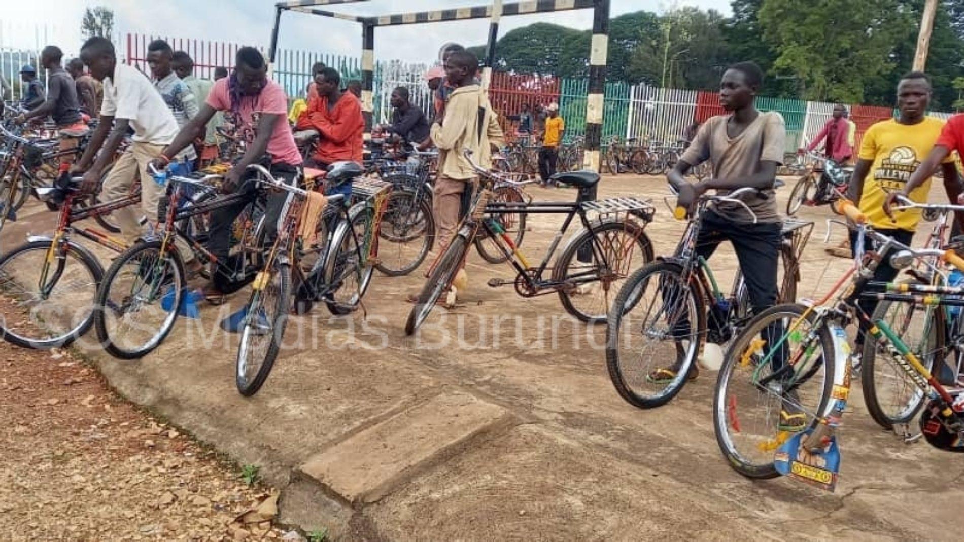 Photo de la semaine : Gitega : les conducteurs des taxis vélos dans la tourmente