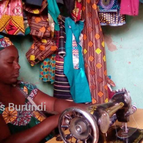 Nakivale (Ouganda) : une réfugiée vivant avec handicap qui fait vivre sa famille