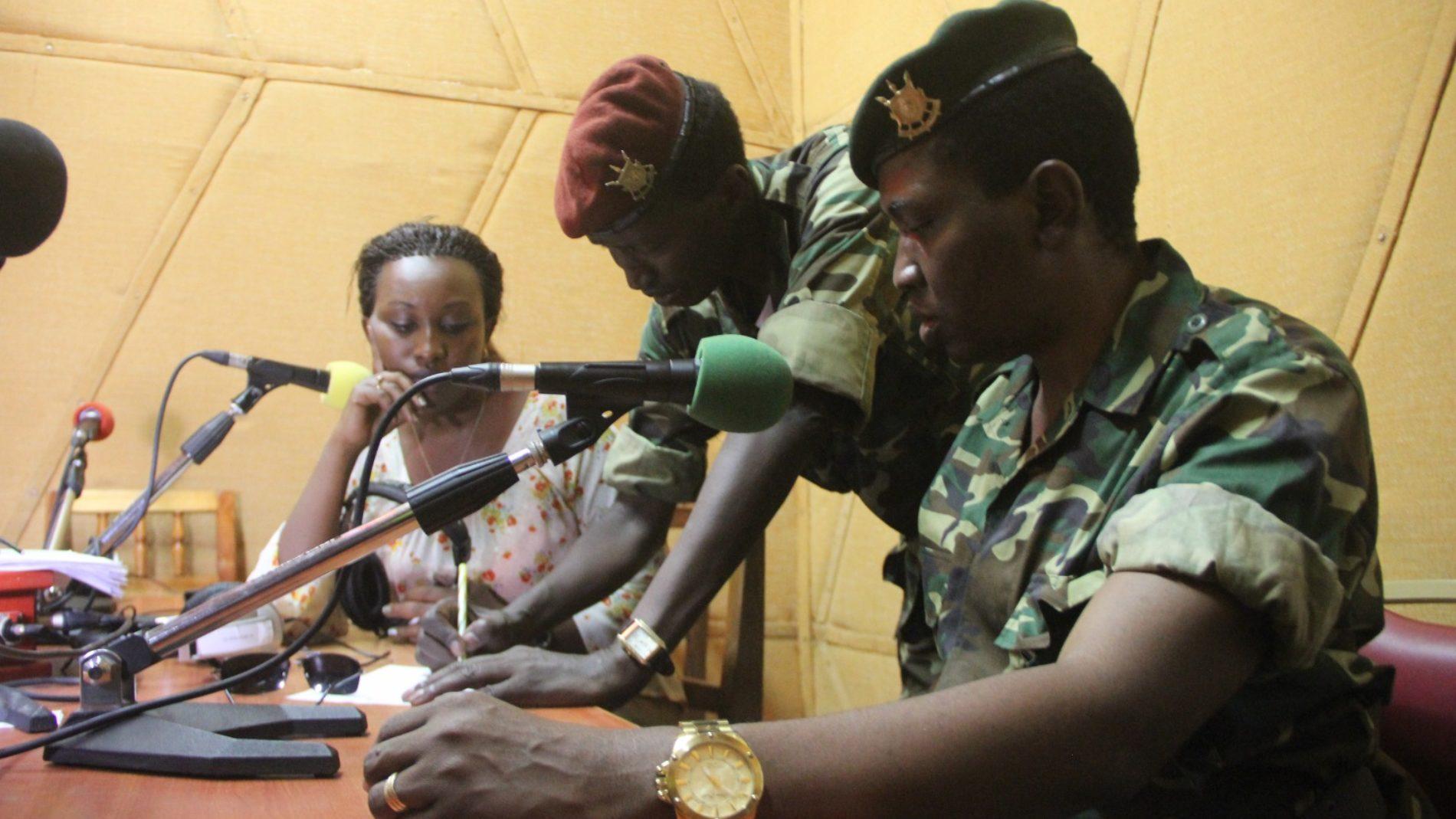 Presse : des journalistes qui ont fui la persécution au Burundi obligés de fermer au Rwanda