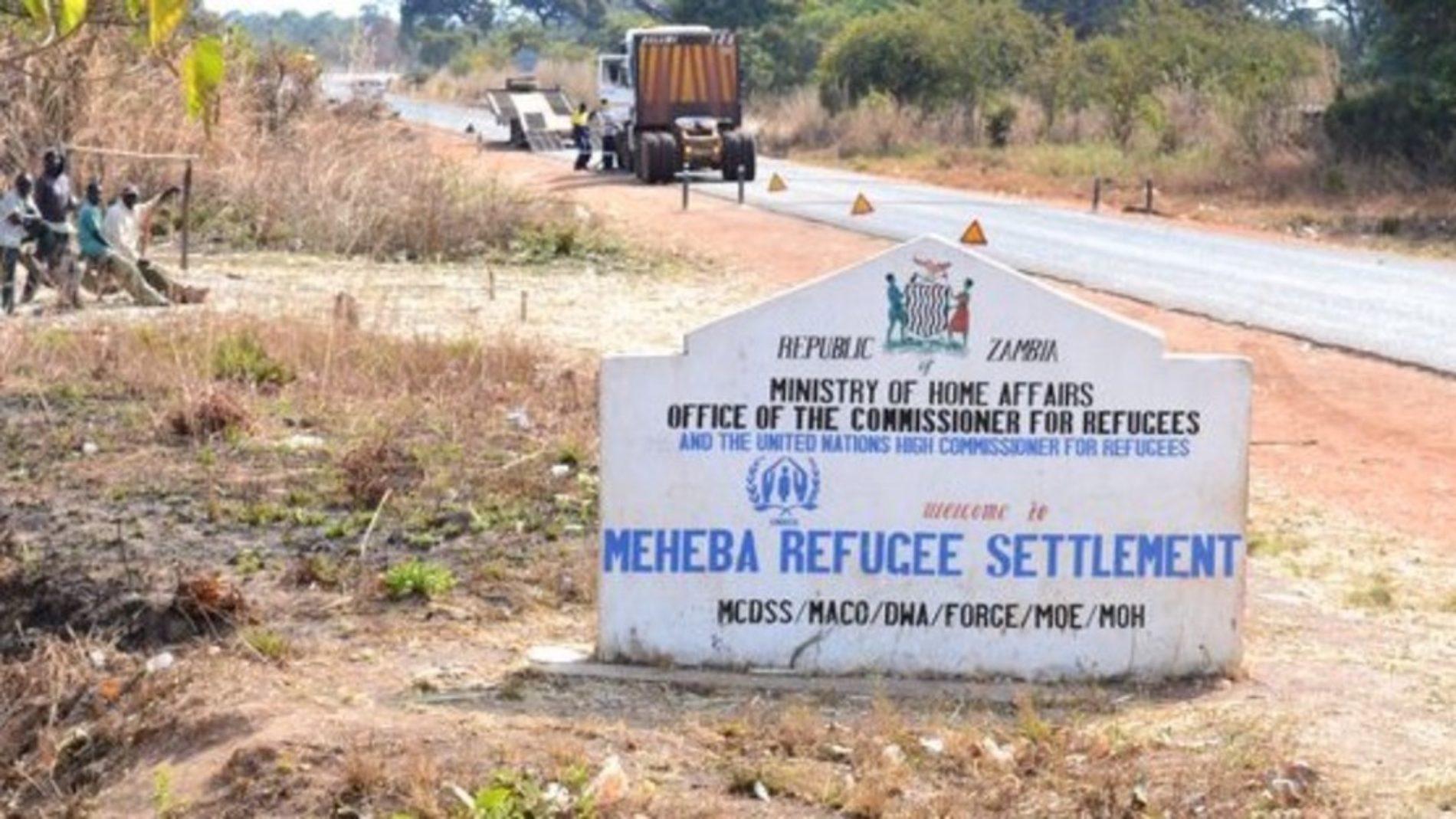 Meheba (Zambie) : les réfugiés burundais et rwandais se regardent en chien de faïence