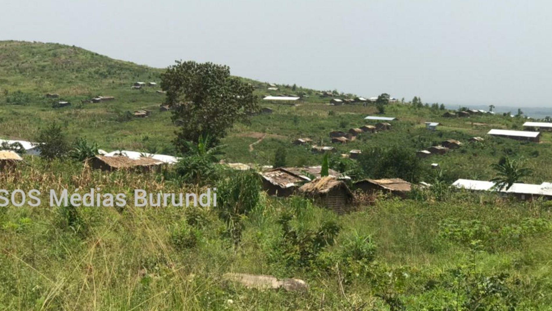 Mulongwe : des réfugiés burundais vivent dans des maisons de fortune