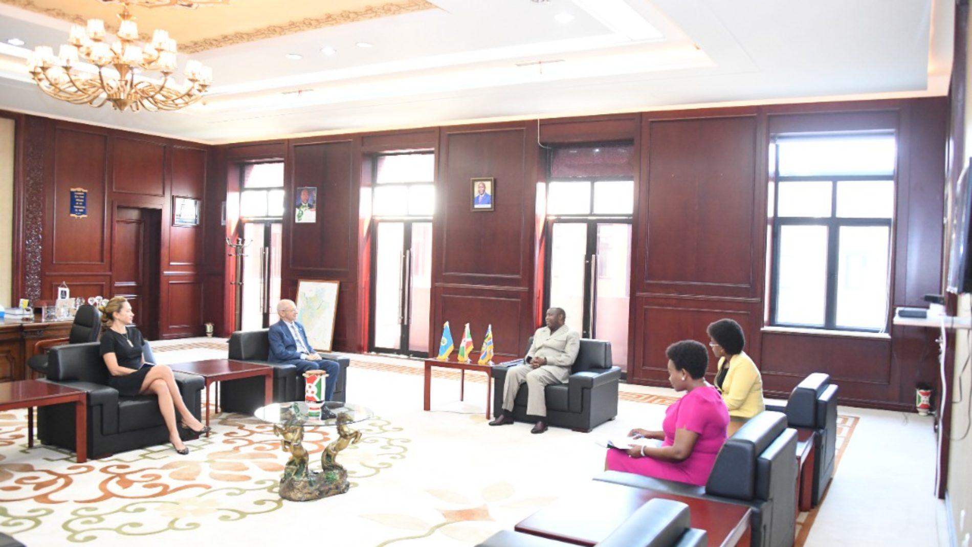 Burundi : l'UE veut suspendre les sanctions, des ONGs posent des conditions