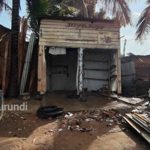 Rumonge : l'autorité détruit des kiosques, des jeunes diplômés grognent