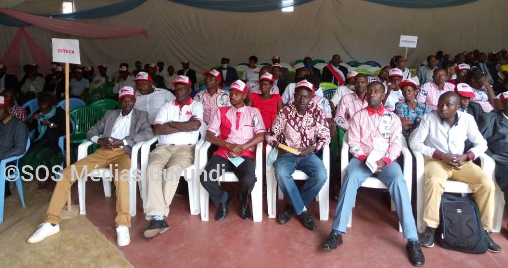 Des congressistes lors du congrès ordinaire de l'Uprona, le 15 août 2021