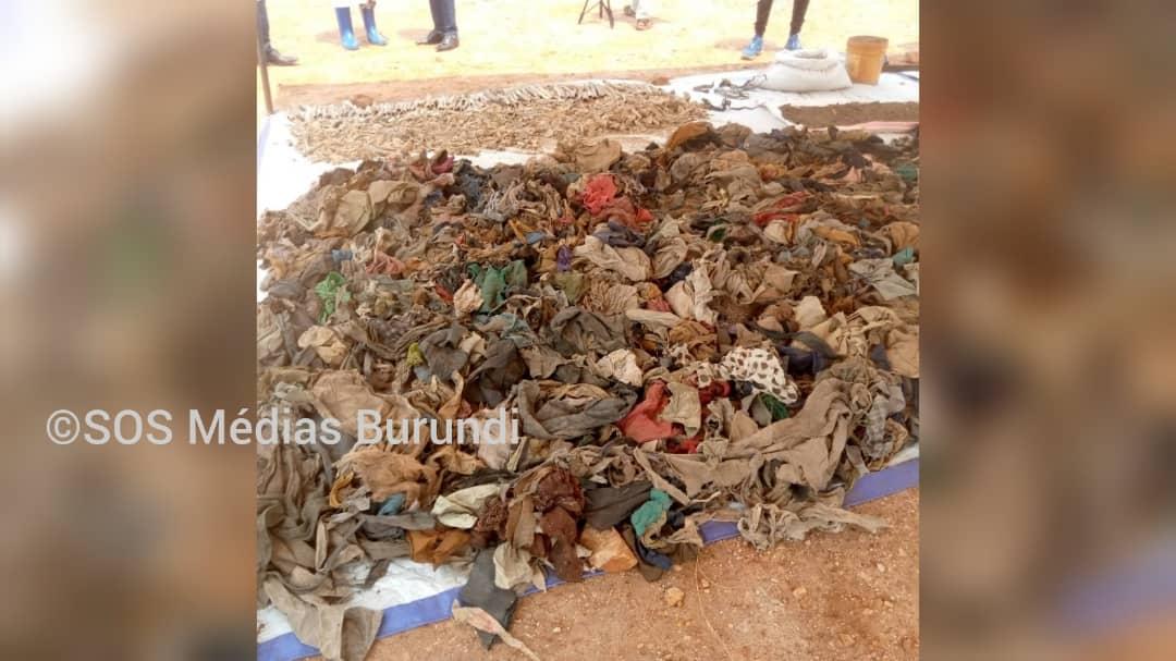 Des habits des personnes tuées en 1972 au nord de Bujumbura