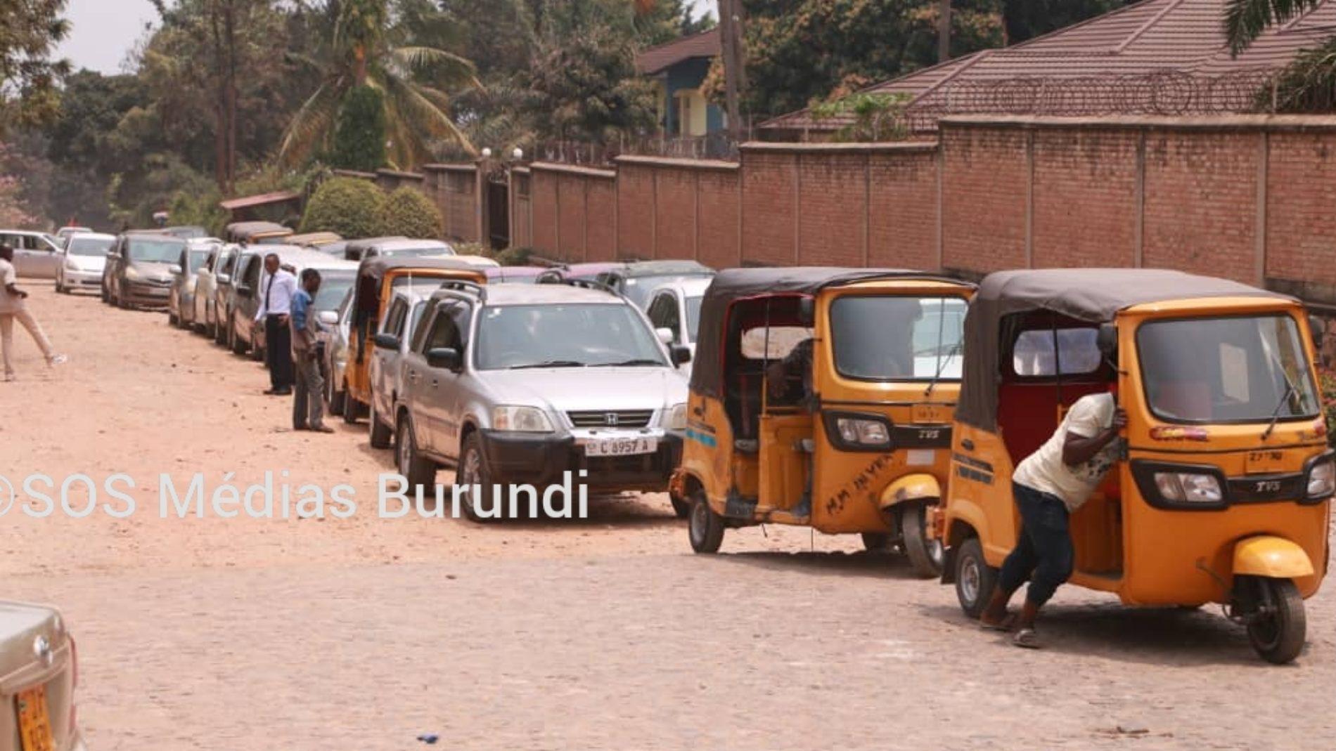 Bujumbura et Gitega : manque d'essence suivi de spéculations sur le prix du ticket de transport