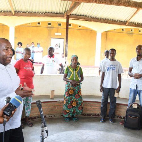 Burundi : le président Neva se sert du salaire de ses conseillers «fainéants» pour assister les pauvres