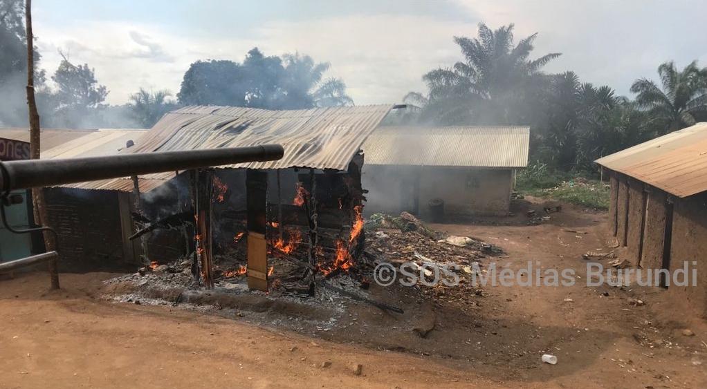 Une maison brûlée à Komanda , le 26 septembre 2021