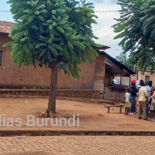 Gitega : une grenade explose, les renseignements achèvent un blessé (témoignages)