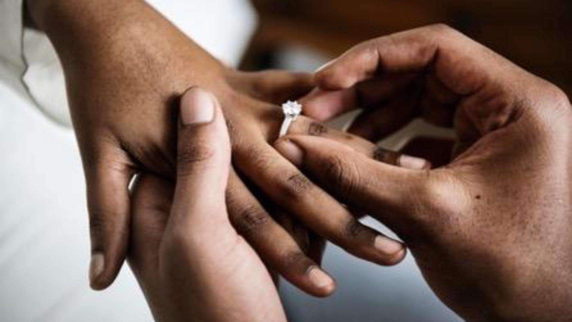 Burundi : suspension des administratifs en situation d'union illégale ou de concubinage